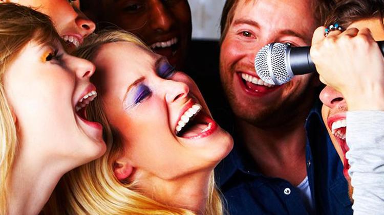 90s Karaoke Competition