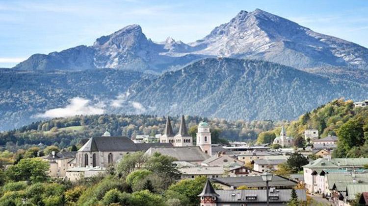 Hut Hopping: Mountain Hike in Berchtesgaden